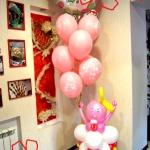 Композиция из шаров № 19.г /  / Цена - 710 грн . / Младенец ( 330 грн. ) + шары гелиевые с рисунком ( 21 грн. шт. ) + коляска ( 190 грн ) / Цвета в ассортименте /