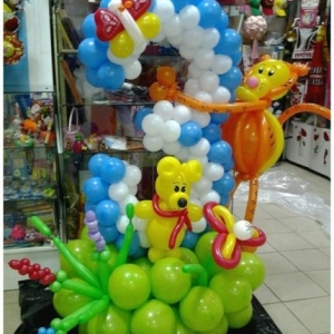 Композиция из шаров / № 3.1 /  Цена 490 - грн / Высота 130 см./Цифры от 1 до 100 / Цвета в ассортименте