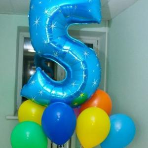 Композиция из шаров / № 5.5 /  Цена - 270 грн / Высота 100 см./Цифры от 1 до 100 / Цвета в ассортименте