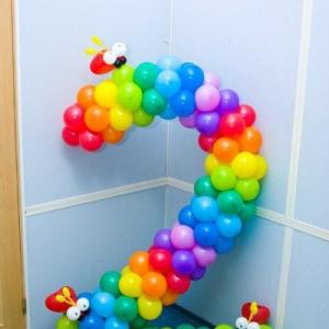 Композиция из шаров / № 2.1 /  Цена -270 грн / Высота 140 см./Цифры от 1 до 100 / Цвета в ассортименте