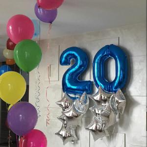 Композиция из шаров / № 20.2 /  Цена - 990 грн / Высота 100 см./Цифры от 1 до 100 / Цвета в ассортименте