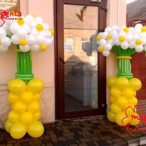 Оформление салона красоты на ул. Жуковского.